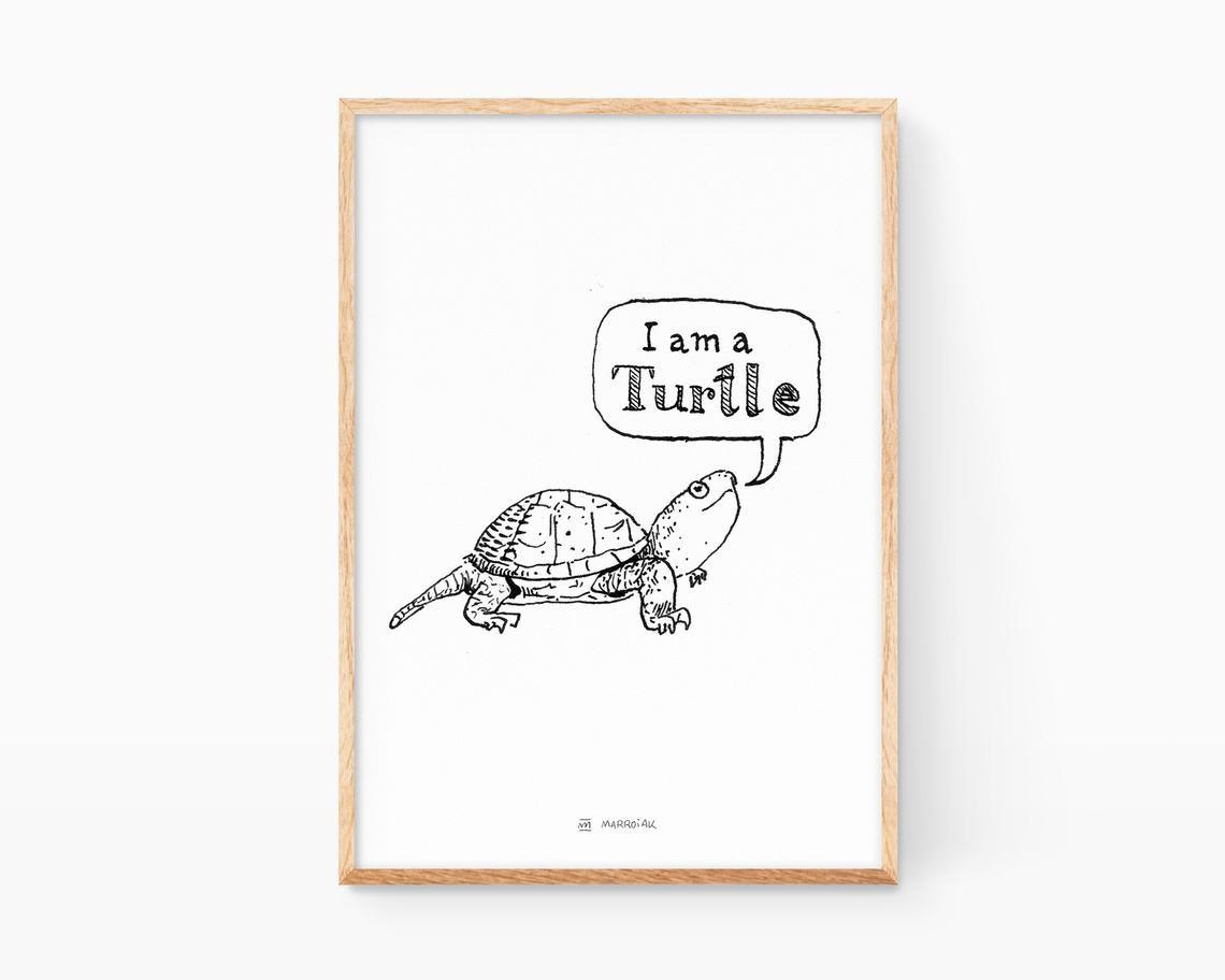 Lámina en blanco y negro con una ilustración de una tortuga divertida. Decoración para niños