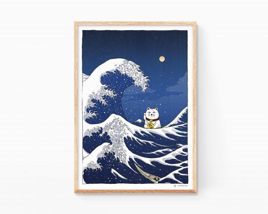 Lámina decorativa con una ilustración de la gran ola japonesa del ukiyo-e con el gato japonés de la suerte (Maneki Neko). Versión de noche. Paisajes del mar